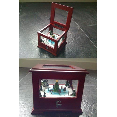 Mr.Christmas – Iluminated Showcase Music Box Skaters | 051053784768 | MX-78476
